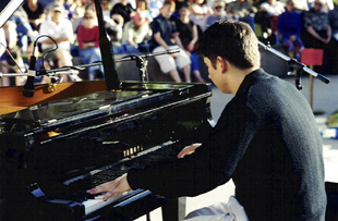 Eldar Djangirov at the 2004 Jazz in June concert. [Photo by Rich Hoover]