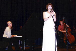 British singer Lee Gibson is accompanied by pianist Shelly Berg and bassist Gerald Spaits. [Photo by Tom Ineck]