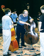 Bassist Jay Leonhart demonstrates technique. [Photo by Butch Berman]